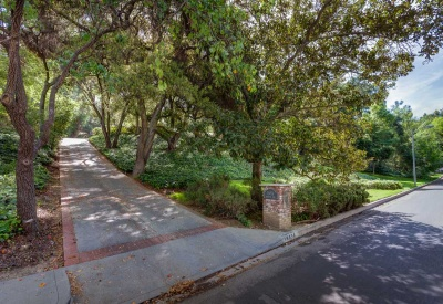 16056 Woodvale Rd Private Encino Country Estate Front Drive