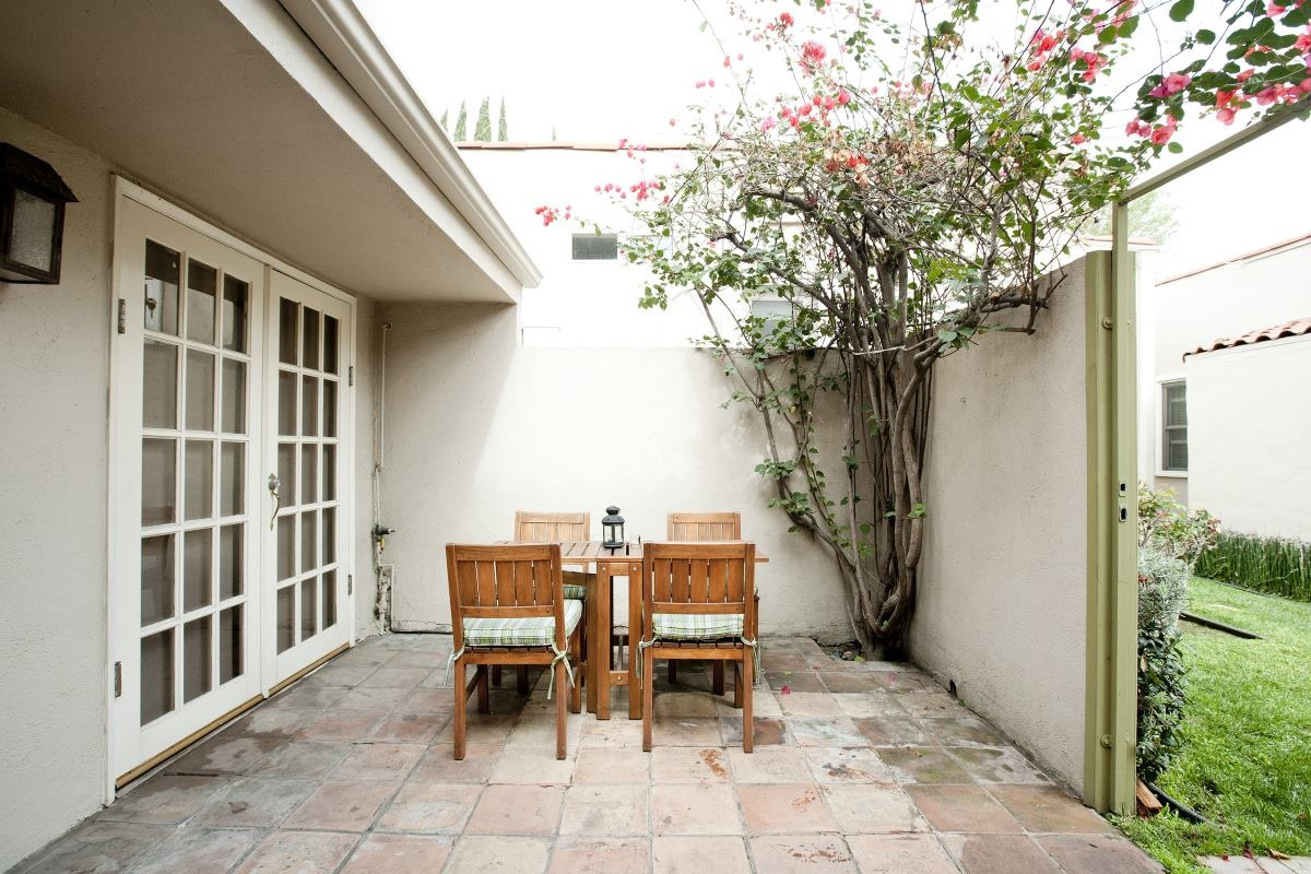 843 Huntley West Hollywood Premier Fourplex Back Unit Patio