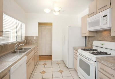 1149 N Poinsettia Pl West Hollywood Lease 90046 Kitchen